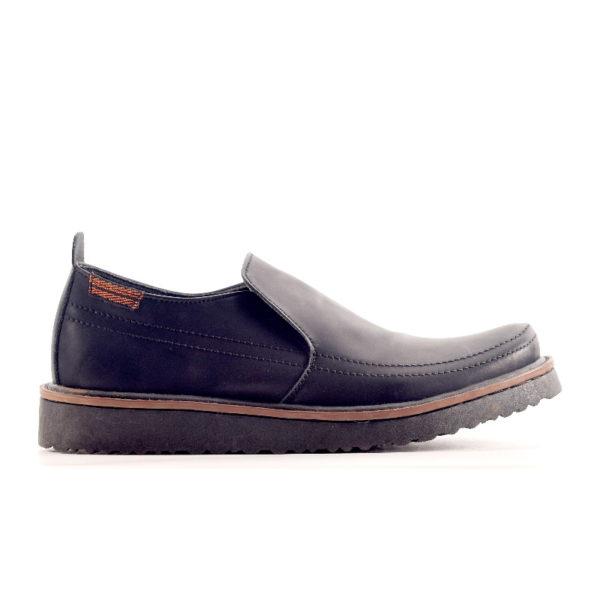 sepatu besar slipon makeda black