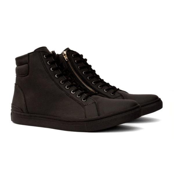 sepatu sneakers tinggi revolver allblack