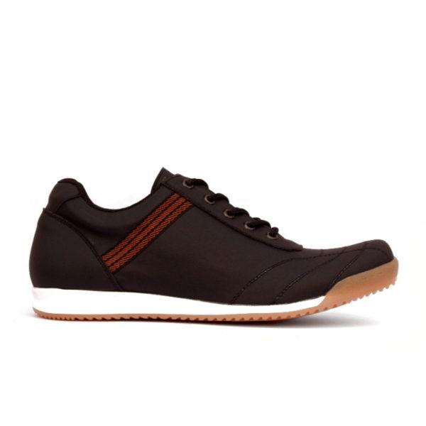 sepatu sneakers ukuran besar kinetic black