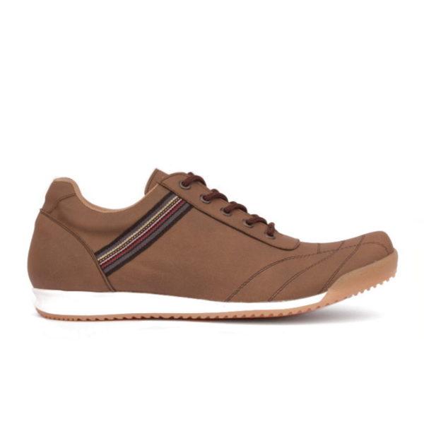 sepatu sneakers ukuran besar kinetic brown